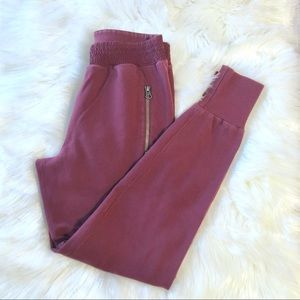 Aritzia TNA Maroon The Perfect Jogger Sz XS